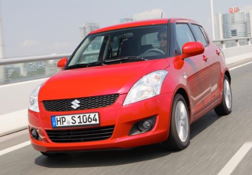 SUZUKI Swift II hatchback czerwony jasny przedni lewy