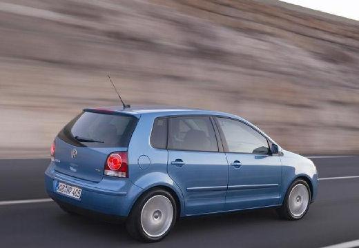 VOLKSWAGEN Polo IV II hatchback niebieski jasny tylny prawy