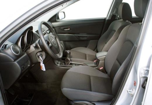 MAZDA 3 II hatchback wnętrze