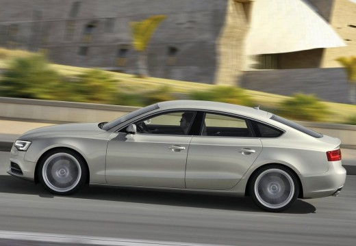 AUDI A5 hatchback silver grey boczny lewy
