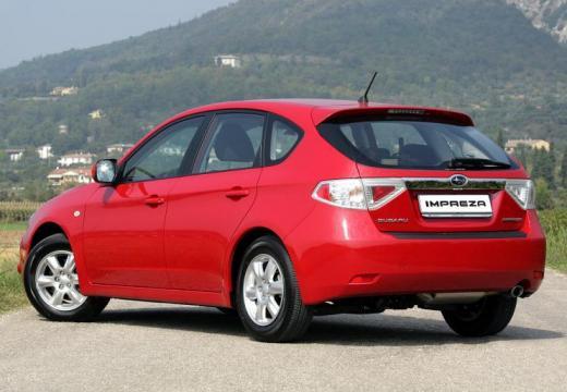 SUBARU Impreza I hatchback czerwony jasny tylny lewy
