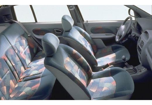 RENAULT Clio II I hatchback wnętrze