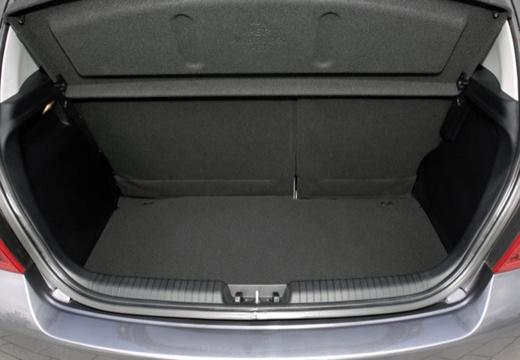 HYUNDAI i20 I hatchback szary ciemny przestrzeń załadunkowa