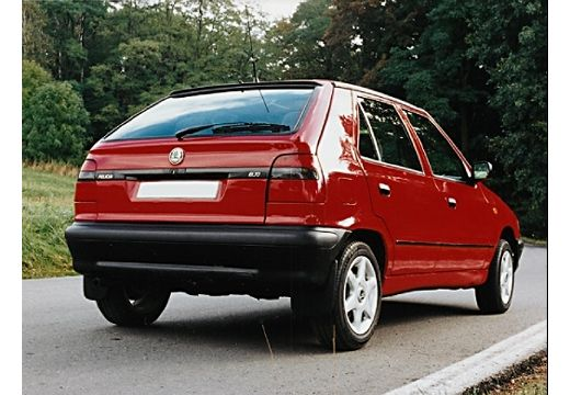 SKODA Felicia I hatchback czerwony jasny tylny prawy