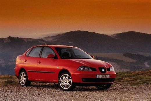 SEAT Cordoba sedan czerwony jasny przedni prawy