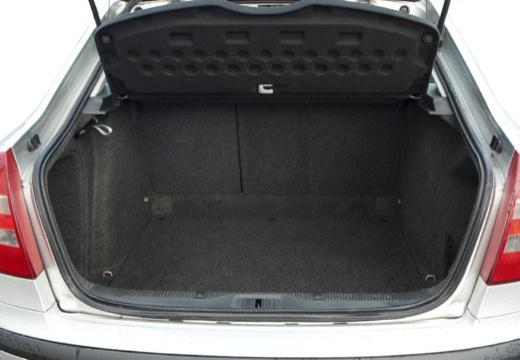 SKODA Octavia II I hatchback przestrzeń załadunkowa