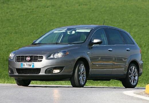 FIAT Croma III kombi silver grey
