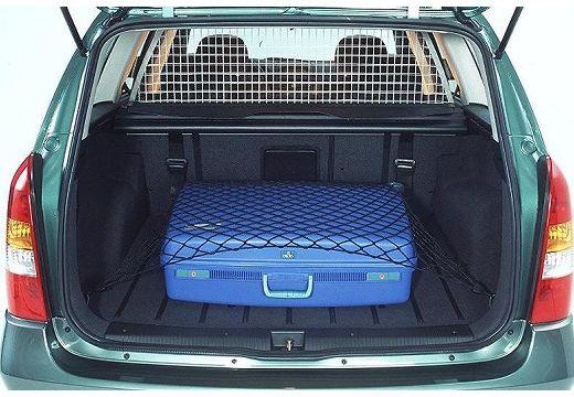 OPEL Astra II Classic kombi zielony jasny przestrzeń załadunkowa
