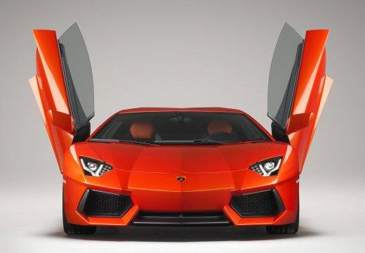 LAMBORGHINI Aventador I coupe czerwony jasny przedni