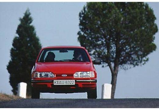 FORD Sierra sedan czerwony jasny przedni