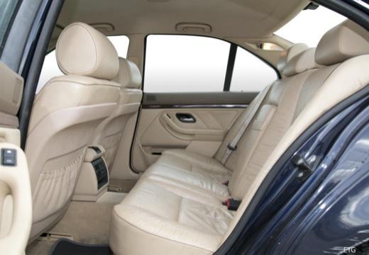 BMW Seria 5 E39 sedan wnętrze