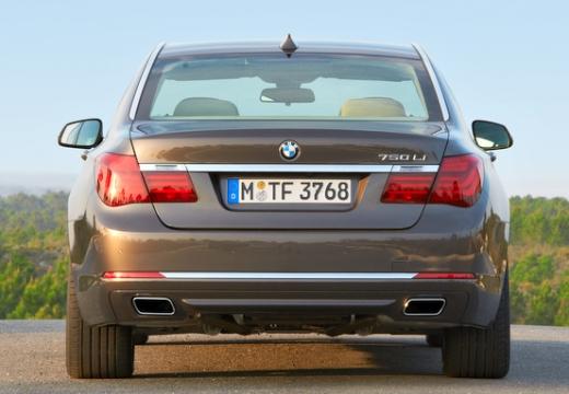BMW Seria 7 F01 F02 II sedan brązowy tylny