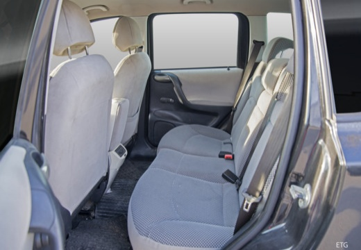 FIAT Stilo Multiwagon II kombi wnętrze
