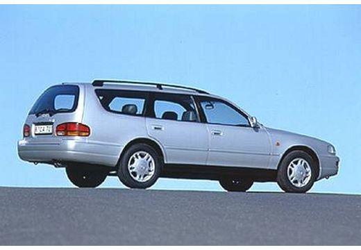 Toyota Camry II kombi silver grey tylny prawy