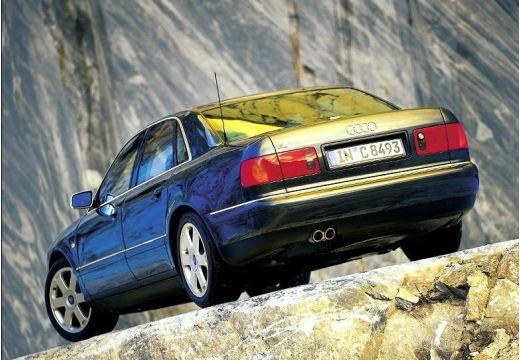 AUDI A8 /S8 D2 sedan czarny tylny lewy