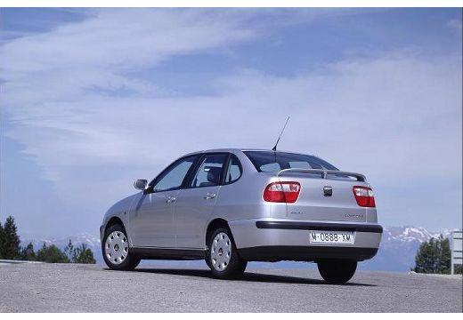 SEAT Cordoba II sedan silver grey tylny lewy