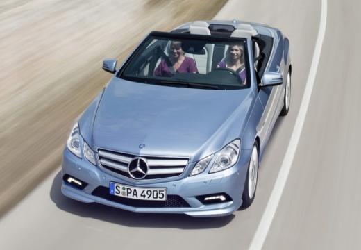 MERCEDES-BENZ E 500 BlueEff. Kabriolet Cabrio A 207 I 4.7 408KM (benzyna)