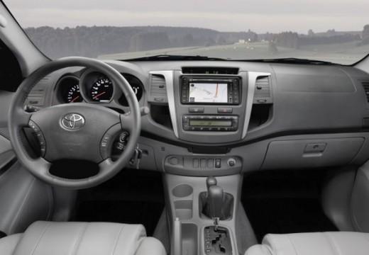 Toyota HiLux IV pickup szary ciemny tablica rozdzielcza