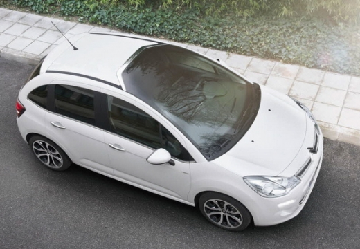 CITROEN C3 II II hatchback biały przedni prawy