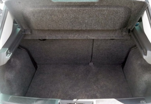 FIAT Punto II hatchback przestrzeń załadunkowa