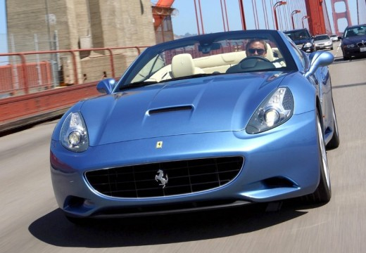 FERRARI California kabriolet niebieski jasny przedni lewy