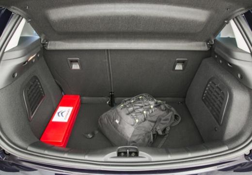 CITROEN C3 II II hatchback czarny przestrzeń załadunkowa