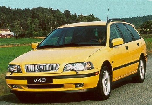 VOLVO V40 kombi żółty przedni lewy