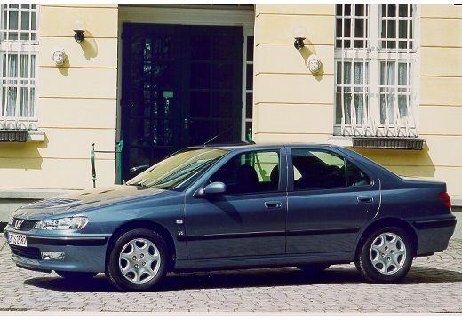 PEUGEOT 406 II sedan niebieski jasny przedni lewy