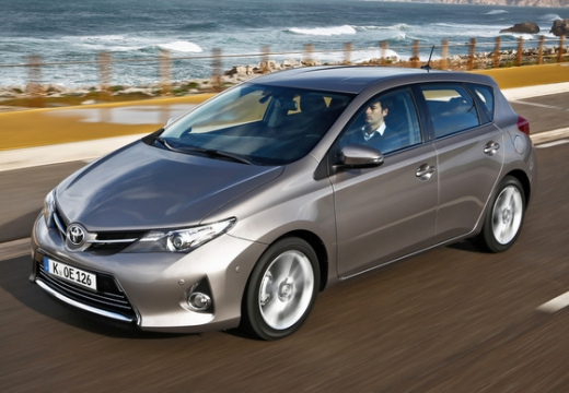 Toyota Auris 1.33 VVT-i Business Edition Hatchback I 1.4 99KM (benzyna)