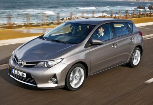 Toyota Auris 1.33 VVT-i Premium Hatchback I 1.4 99KM (benzyna)
