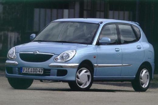 DAIHATSU Sirion Hatchback II
