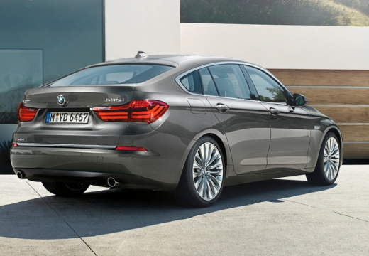 BMW Seria 5 Gran Turismo hatchback silver grey tylny prawy