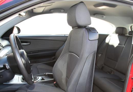 BMW Seria 1 E81 hatchback wnętrze