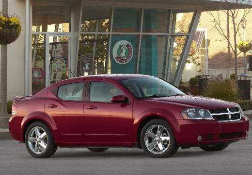 DODGE Avenger sedan czerwony jasny przedni prawy