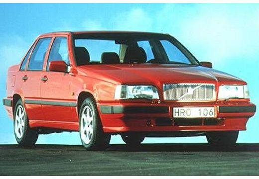 VOLVO 850 sedan czerwony jasny przedni prawy