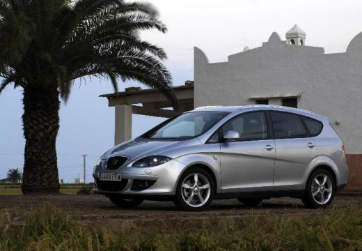 SEAT Altea hatchback silver grey przedni lewy