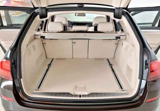 BMW Seria 5 Touring F11 II kombi przestrzeń załadunkowa
