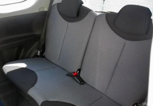Toyota Aygo III hatchback wnętrze