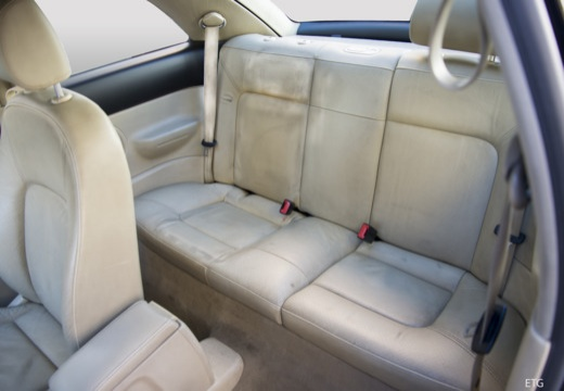 VOLKSWAGEN New Beetle II coupe wnętrze