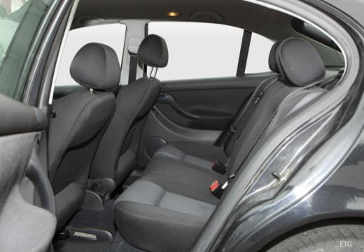 SEAT Leon I hatchback wnętrze