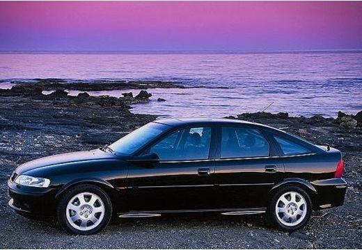 OPEL Vectra B II hatchback czarny przedni lewy