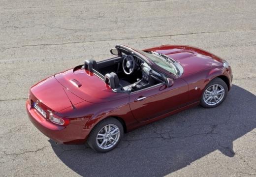 MAZDA MX-5 VI roadster bordeaux (czerwony ciemny) górny tylny