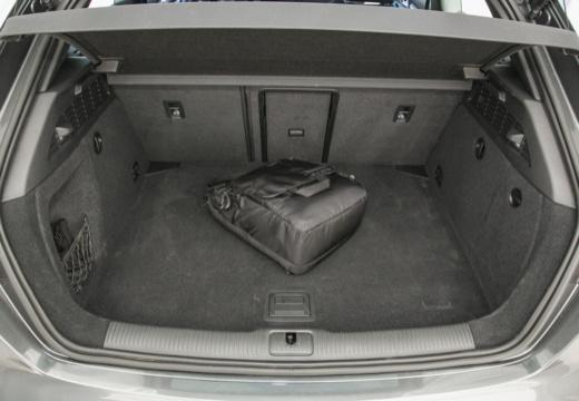 AUDI A3 8V hatchback szary ciemny przestrzeń załadunkowa