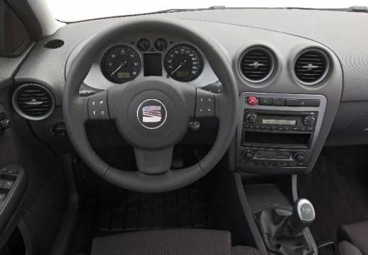 SEAT Ibiza IV hatchback tablica rozdzielcza