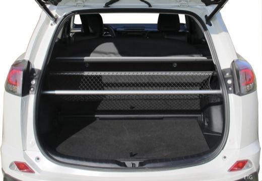 Toyota RAV4 VIII kombi przestrzeń załadunkowa
