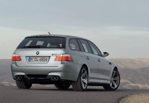 BMW Seria 5 Touring E61 II kombi silver grey tylny prawy