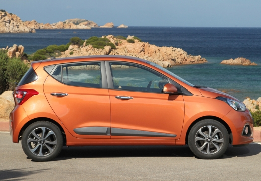 HYUNDAI i10 III hatchback pomarańczowy boczny prawy