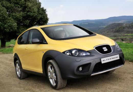 SEAT Altea hatchback żółty przedni prawy