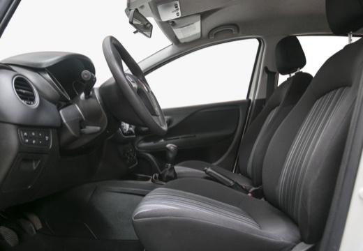 FIAT Punto Evo hatchback biały wnętrze