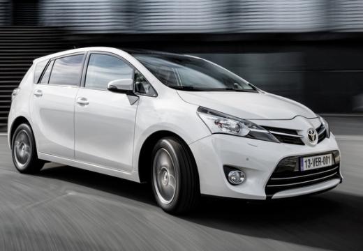 Toyota Verso II kombi mpv biały przedni prawy
